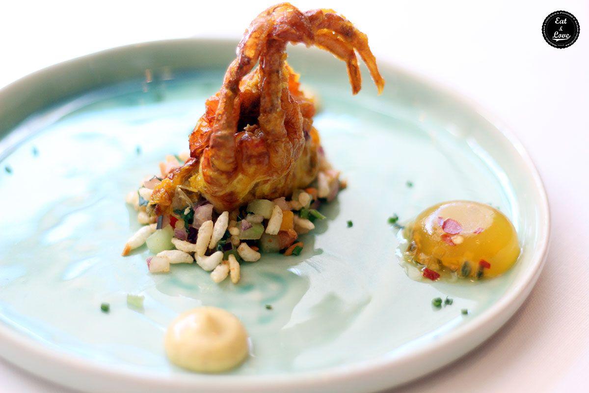 Cangrejo de Cáscara Blanda con Ensalada de Mango, Almendra y Maracuyá en Benarés restaurante indio Madrid
