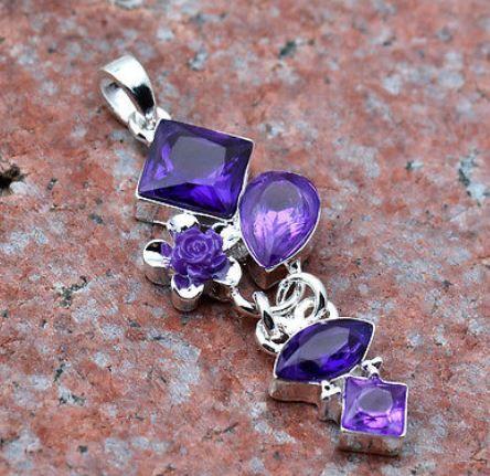 Halsband - Silver belagt hängsmycke med lila kristaller