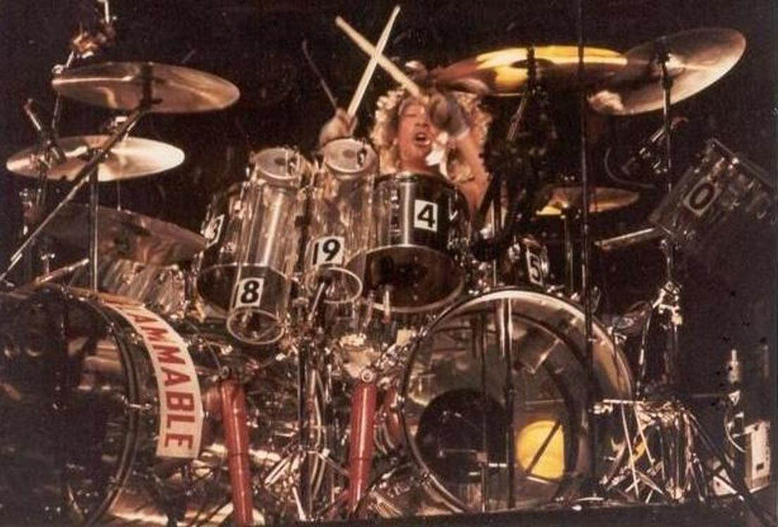 Alex Van Halen With Images Alex Van Halen Van Halen Drum And Bass