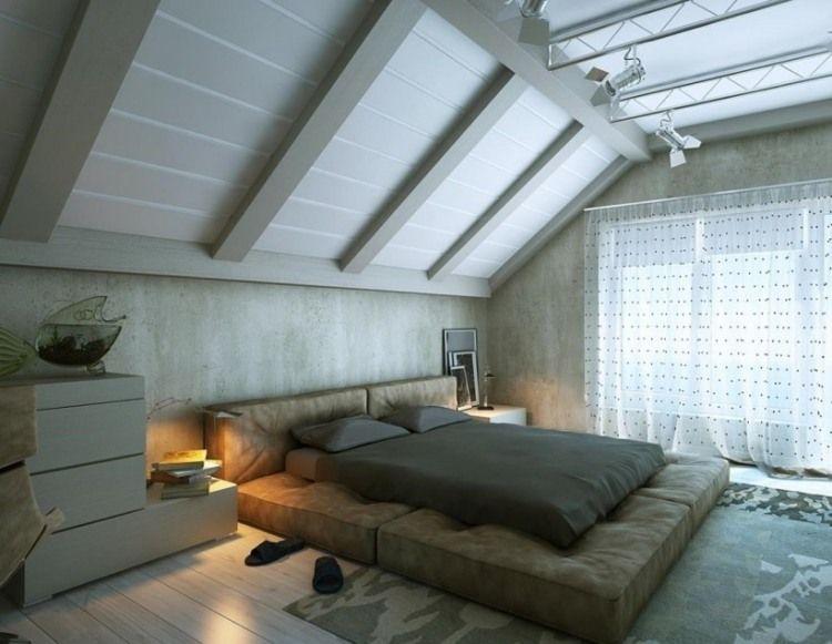 schlafzimmer im industrial stil mit ganz flach am boden platziertem bett dach ausbauen. Black Bedroom Furniture Sets. Home Design Ideas