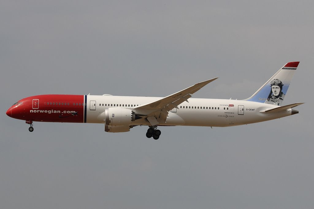 Norwegian Boeing 787 9 Dreamliner G Ckwf Charles Lindbergh At London Gatwick Airport In 2020 Boeing 787 9 Dreamliner New Aircraft Boeing 787