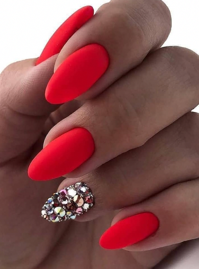 54 Perfect Short Acrylic Almond Nails Design For This Summer Almondacrylicnails In 2020 Almond Nails Designs Red Acrylic Nails Almond Acrylic Nails