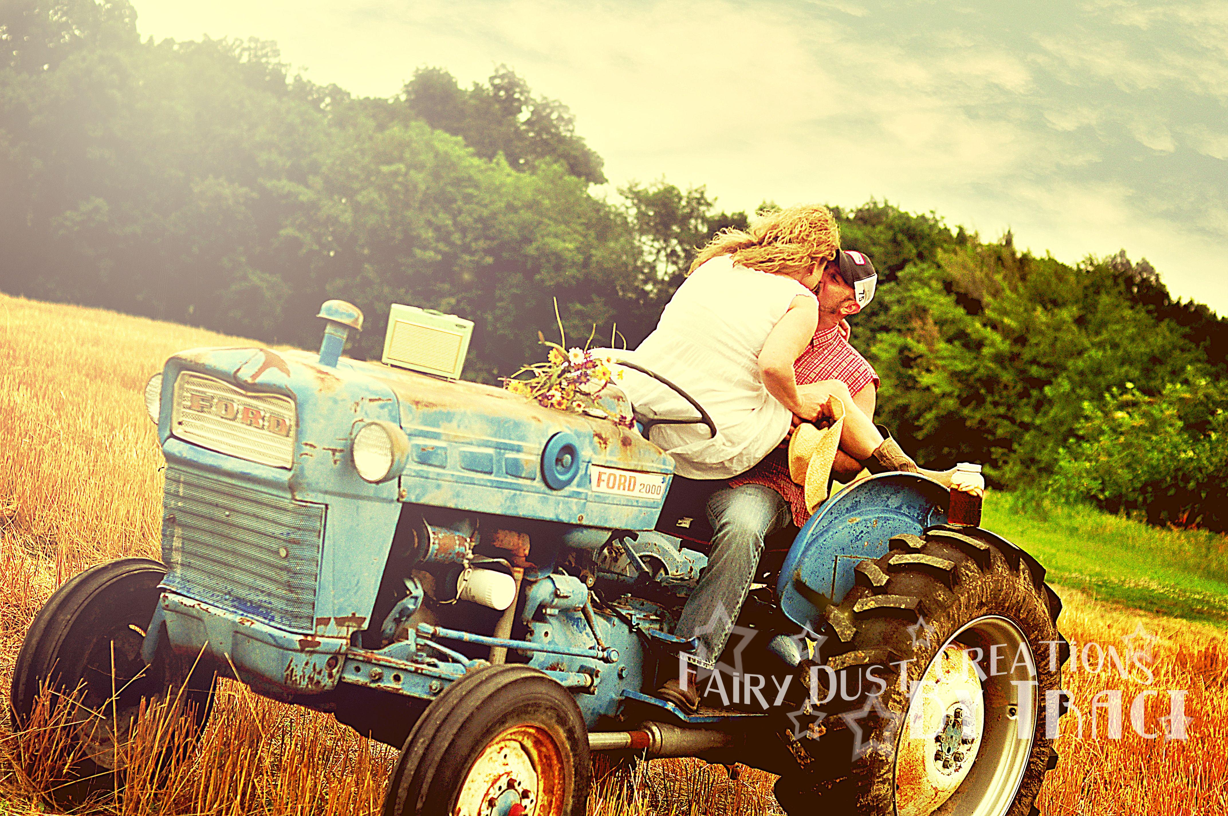Couple On Tractor : Couple tractor farm http fairydustcreationsbytraci
