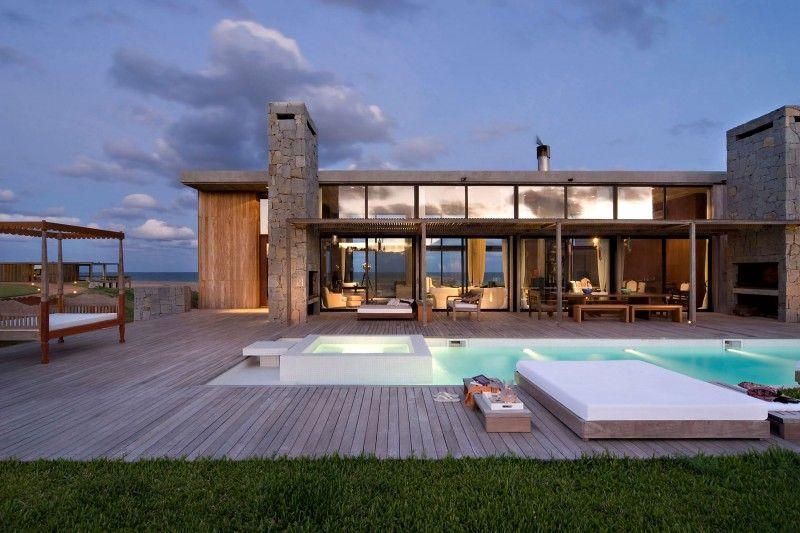 La Boyita Residence, Punta Este, Uruguay. Designed by Martin Gomez Arquitectos.