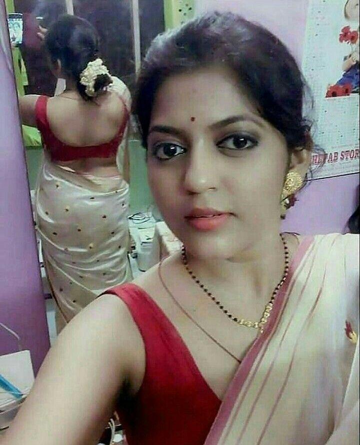 Indian Hot Saree Bhabhi