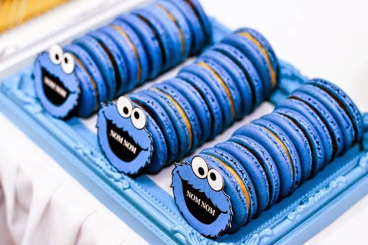 Cookie Monster Party Macarons