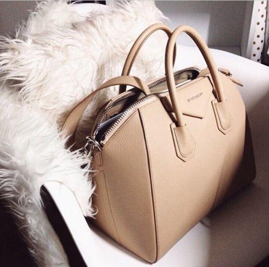 Des Emplacements De Sortie De Dégagement Givenchy Antigona Mini-sac - Nu & Tons Neutres Sortie 2018 Unisexe A4fMcX