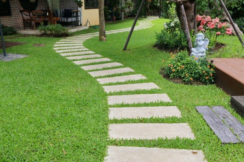 How to lay artificial grass on soil or concrete with