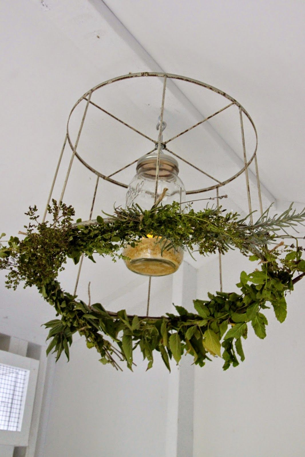 Tilly\'s Nest: DIY: Chicken Coop Chandelier   it started with MASON ...