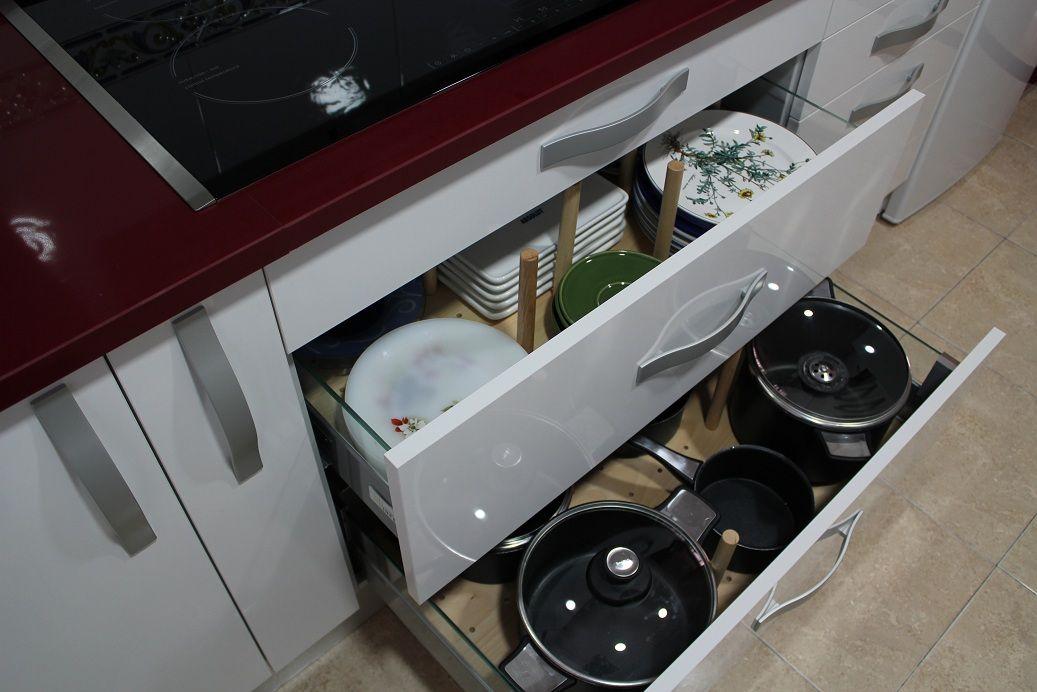 Cocinas tipos de muebles para organizar tu cocina madrid for Muebles segunda mano lugo