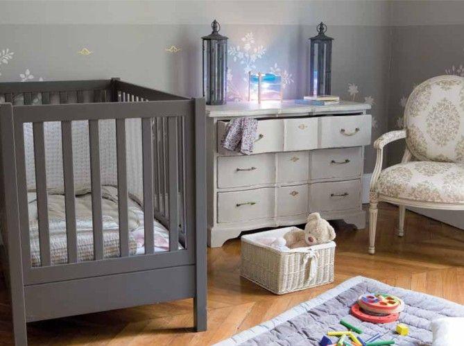 couleur chambre bebe avec meuble gris taupe id es pour mon b b ideas for my baby boy. Black Bedroom Furniture Sets. Home Design Ideas