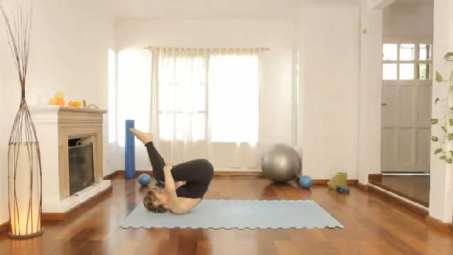 C mo hacer cardio en casa sin equipo yoga and gym - Como hacer pilates en casa ...