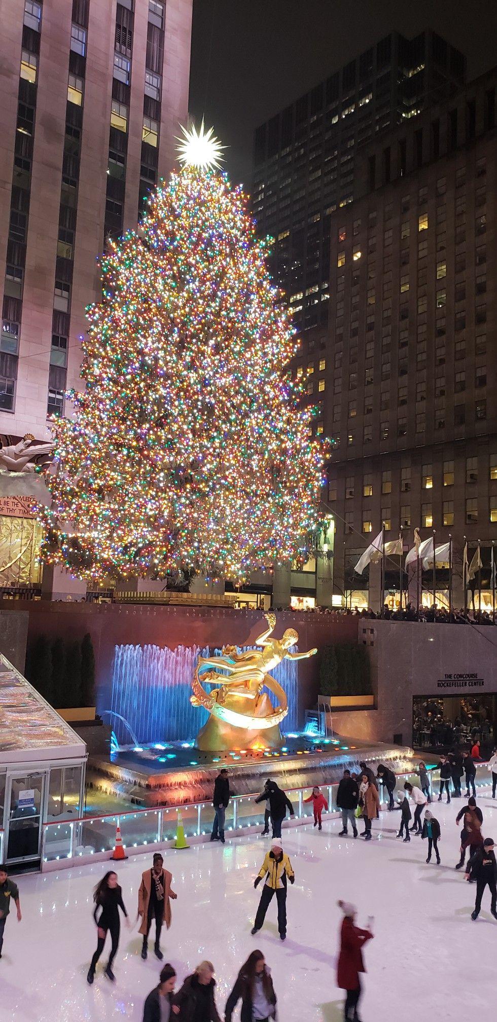 Christmas In Nyc 2021 Nyc Christmas In 2021 Nyc Christmas Holiday Decor Holiday