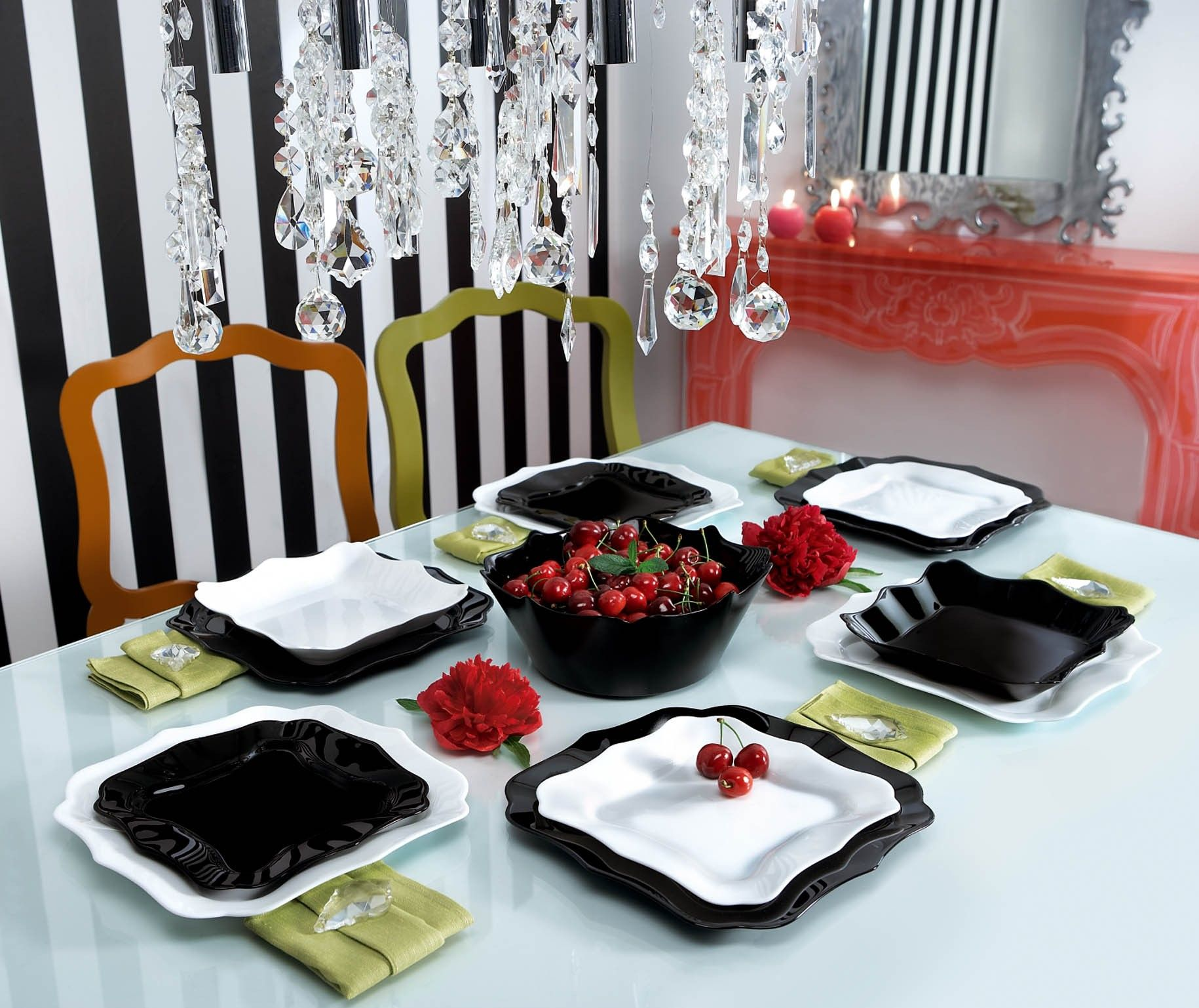 dinnerware set authentic noir blanc by luminarc la table d 39 arcwantplates to watch. Black Bedroom Furniture Sets. Home Design Ideas