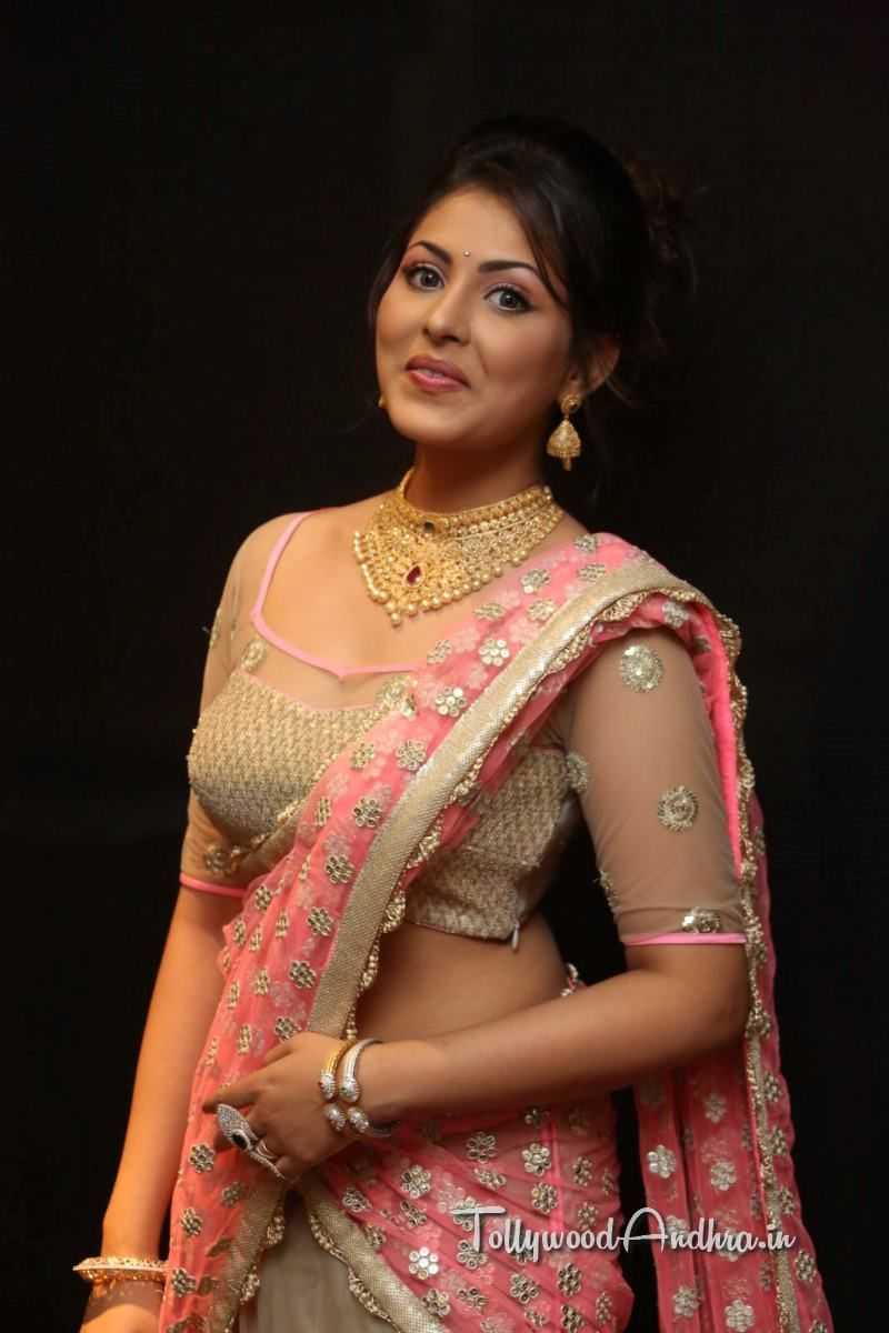 Madhu Shalini Nude Photos Minimalist madhu shalini photos in saree at teach for change charity show