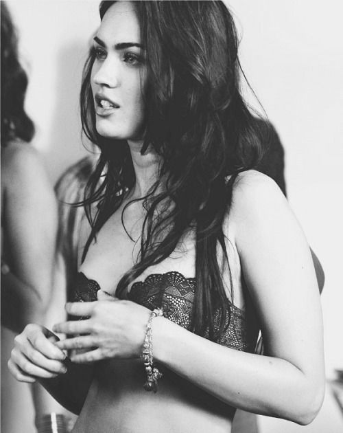 know this hot beauty? #meganfox