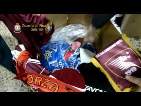 Salerno: Maxi sequestro di abbigliamento sportivo contraffatto