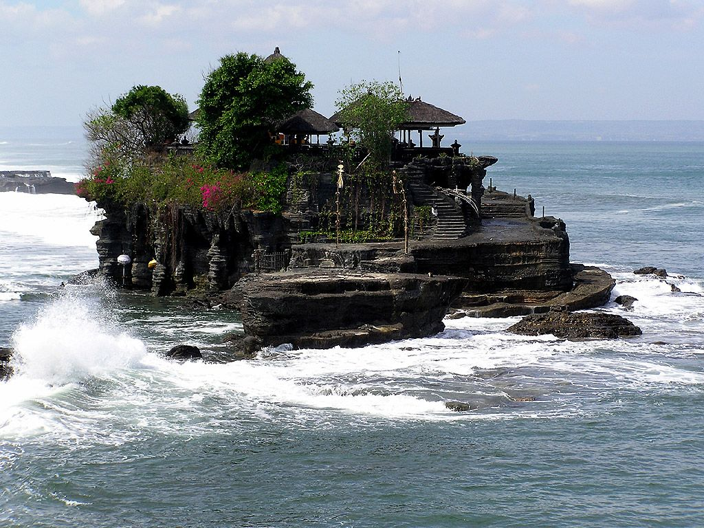 fantasy island, Tanah Lot in Bali