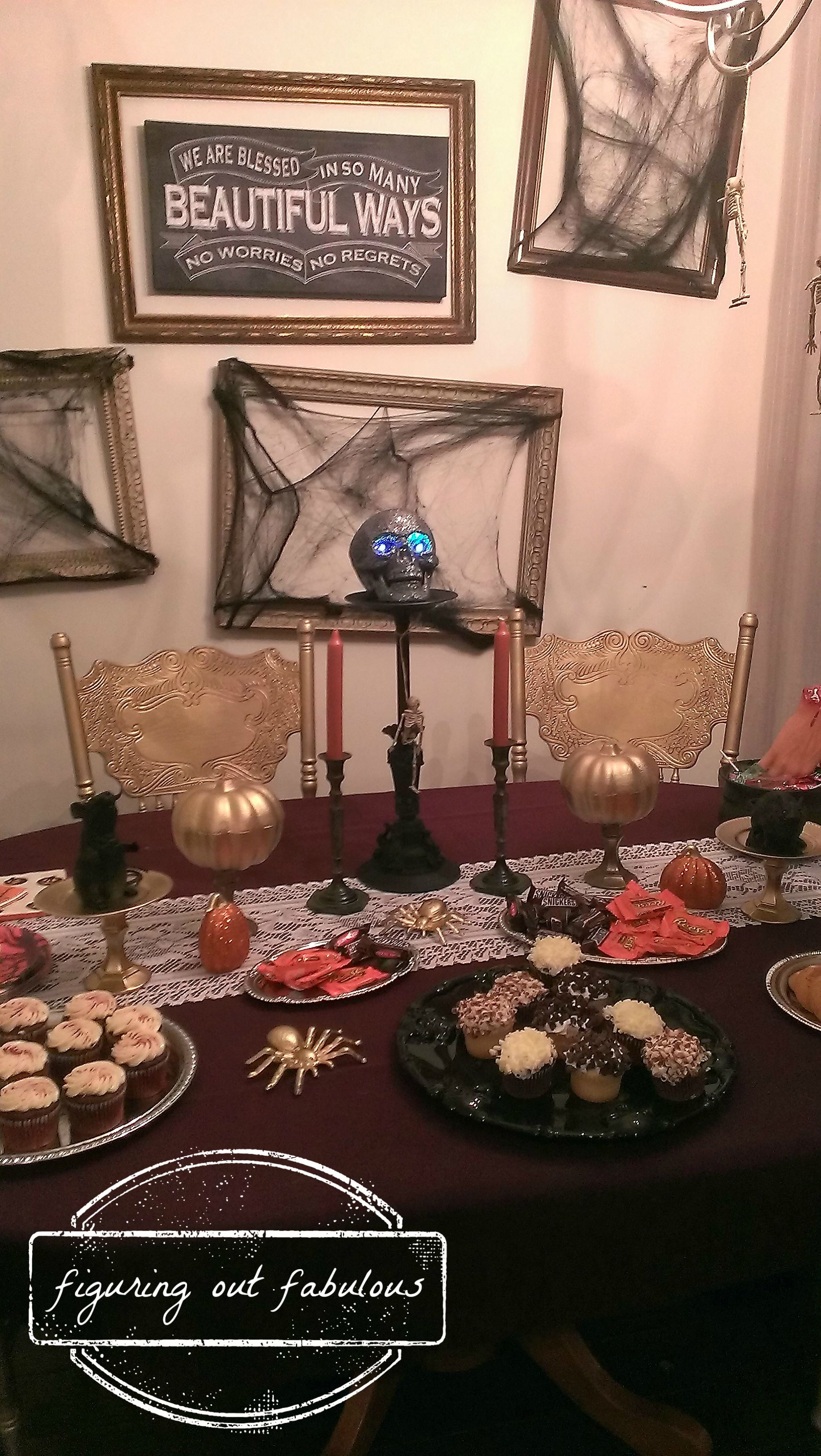 halloween table2