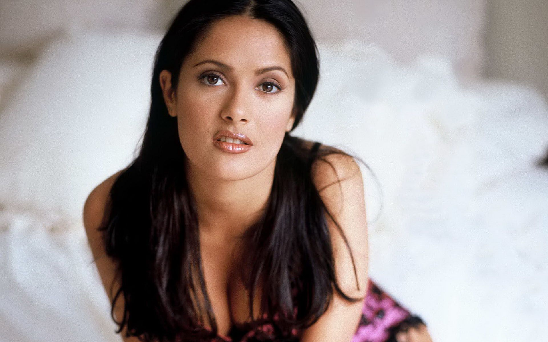 Salma Hayek Wallpapers HD Pictures Photos Images