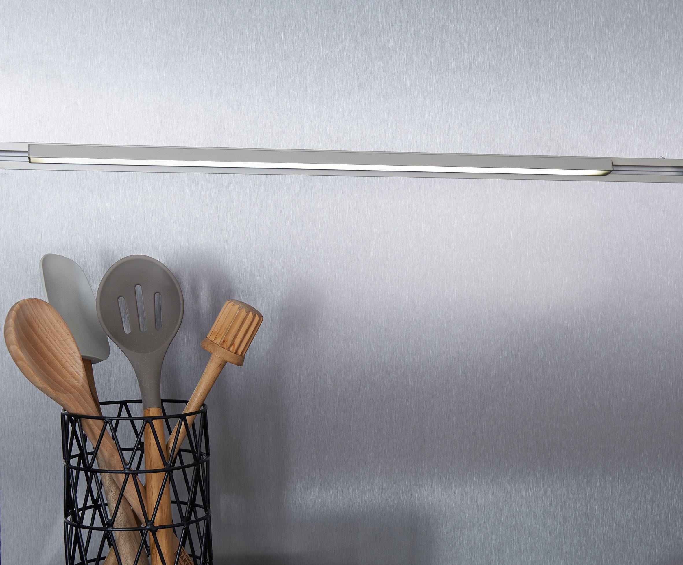 Ewe Küchen ~ Funktionsrückwand system von ewe küchen mit led lichtprofil
