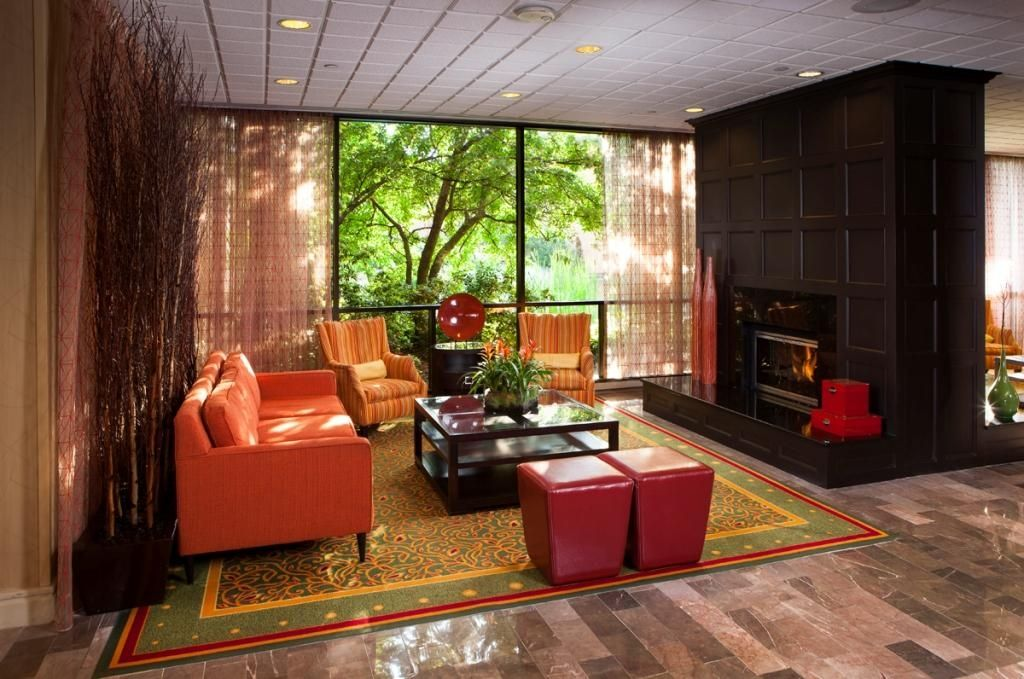 Cozy Up Next To The Fireplace Ann Arbor Marriott Ypsilanti At