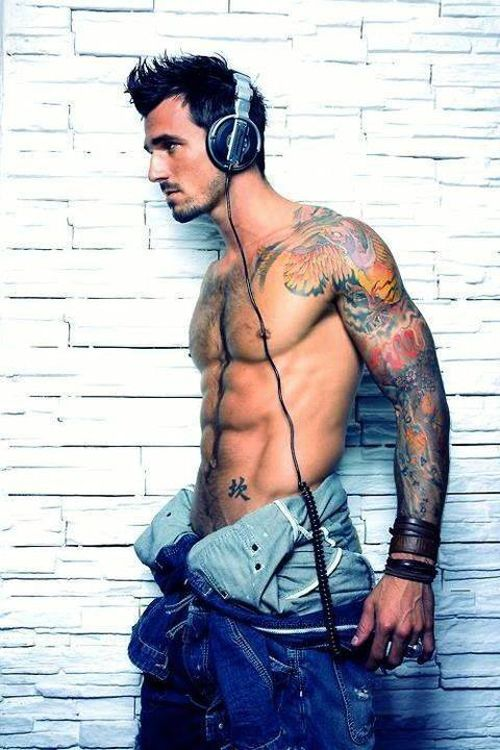 hot-nude-man-tattoo