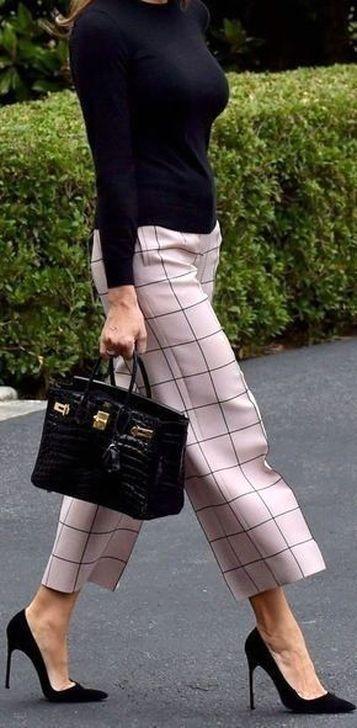 Atemberaubende 20 + Elegante Work Outfits Ideen für Frauen Modisch #workoutfitswomen