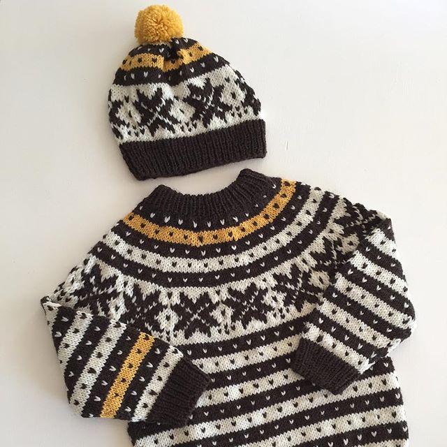 Tilbakeblikk... #strikk#strikking#strikkespam#strikkedilla#strikkemamma#sandnesgarn#finefarger#fanakofte#norskbarnemote#barnestrikk#ministrikk#instaknit#iloveknitting#knit#knitting#knitwear#knitpicks#knittersofinstagram#knitinspo123#levlandlig#kamillenorge#ullergull#drengestrikk#guttefin#guttestrikk#gulterkult