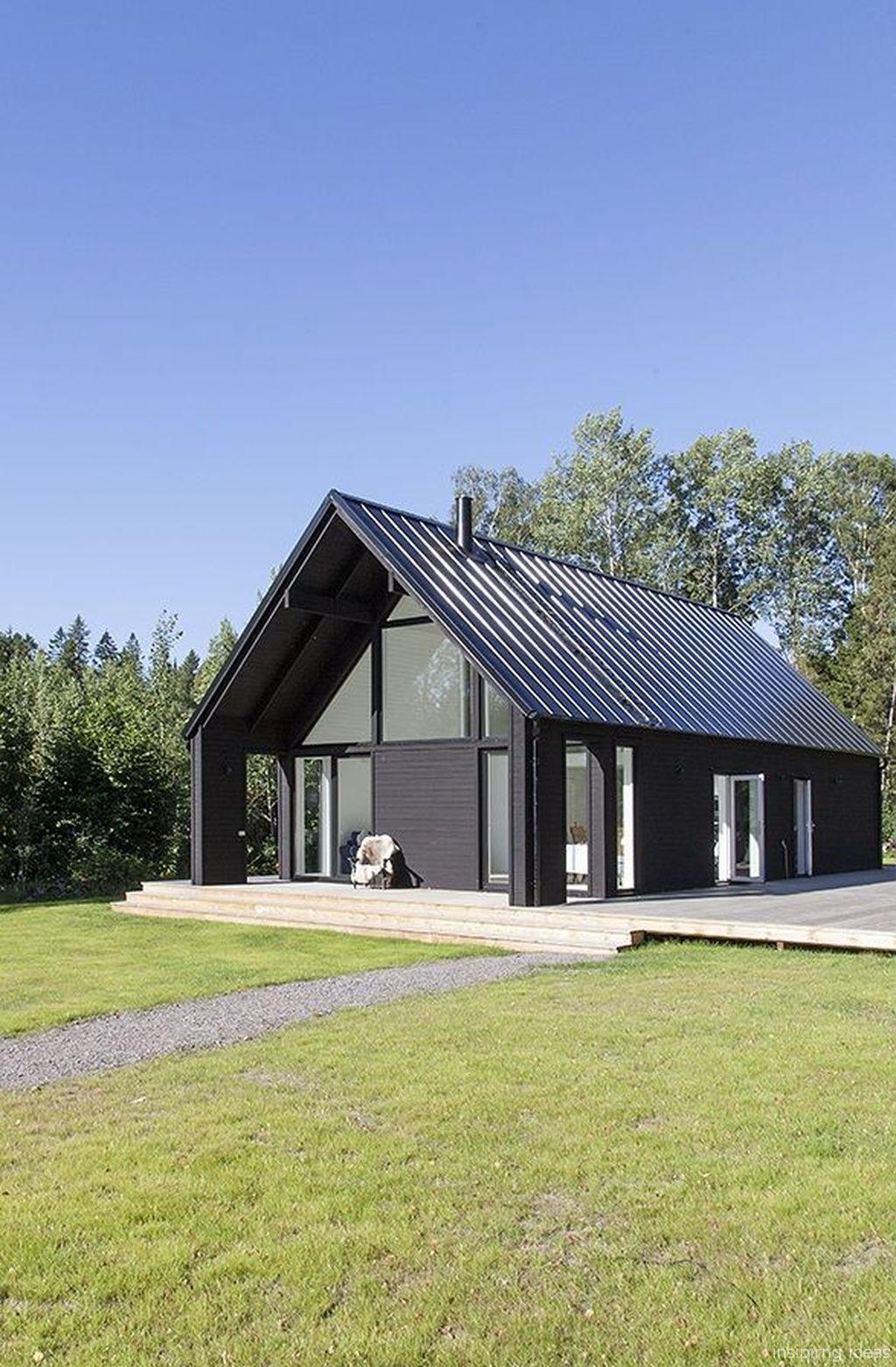 45 Inspiring Small Modern Farmhouse Exterior Design Ideas - augustexture.com