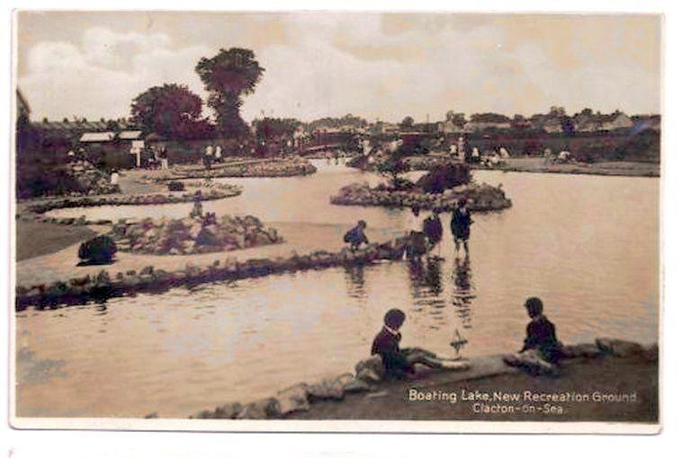Essex postcard clacton on Sea Model Yacht Pond boating