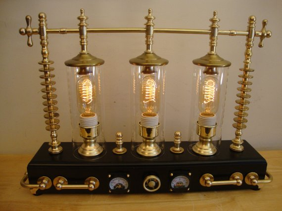 Steampunk Lampada Lampada Da Tavolo Art Pazzo Scienziato 3 Etsy Steampunk Lamp Art Lamp Industrial Style Lamps