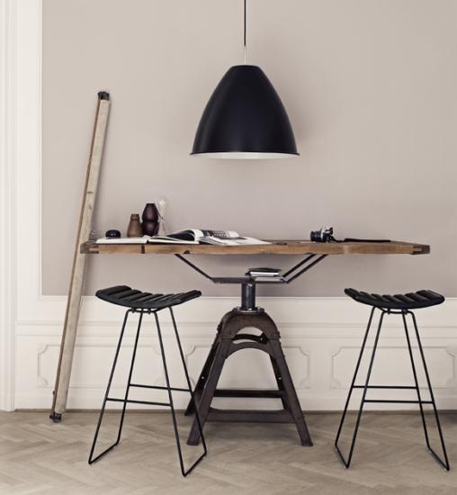Gubi A3 Barkrakk : Rom til rom - Nettbutikk for møbler og interiør, Kvalitetsdesign til alle rom