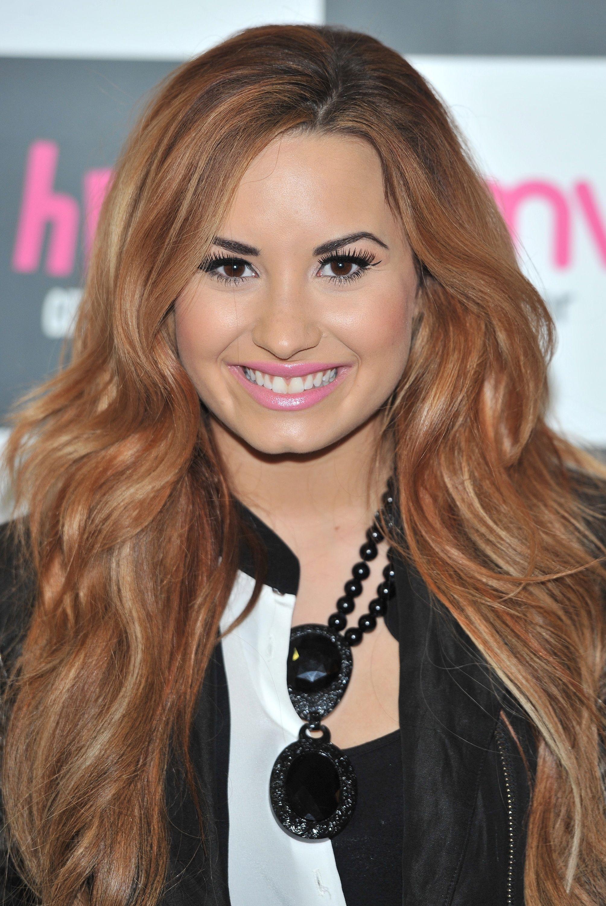 Female Celebrities With Light Brown Hair within i love her so much   demi lovato   pinterest