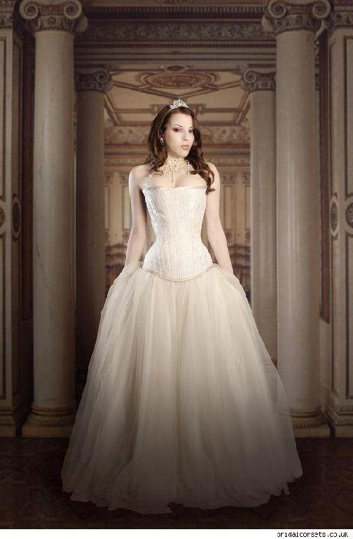 Des Moines Weddings Com Victorian Wedding Dress Victorian Style Wedding Dress Wedding Dresses