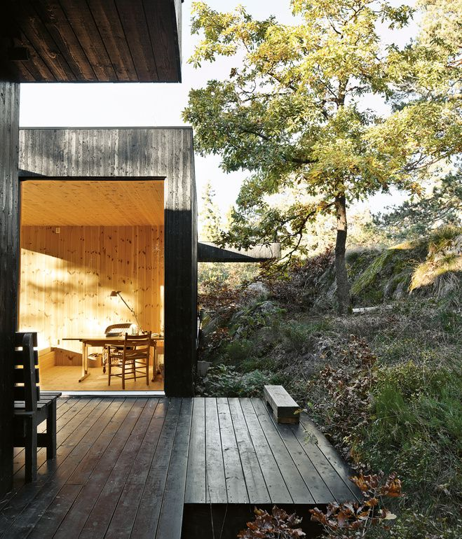 A 1960s renovated cabin in Scandinavia, designed by Sævik displays principles of simplicity and a respect for nature.The house is divided into three sections connected by a series of outdoor galleries.