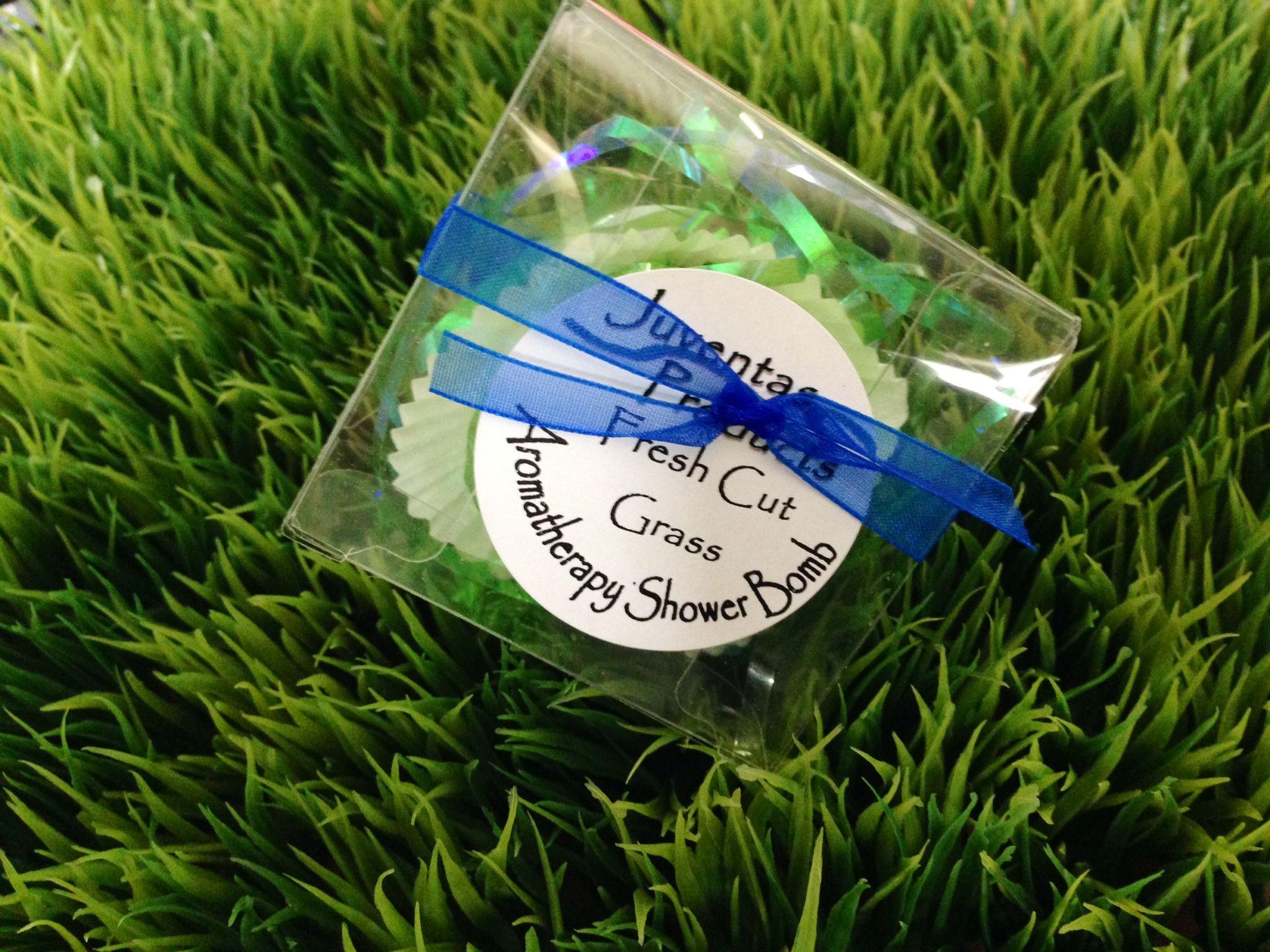 Aromatherapy Shower Bomb- Fresh Cut Grass
