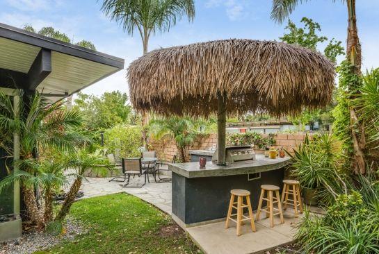 Palapa bar and entertaining patio | Patio entertaining ... on Palapa Bar Backyard id=35548