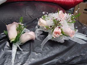 Corsages/Boutonnieres - WRC37 | Fowler's Florist & Gifts