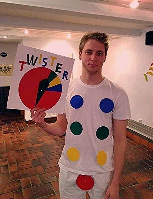 Photo of 40 Unique And Funny Pop Culture Halloween Costumes On A Budget