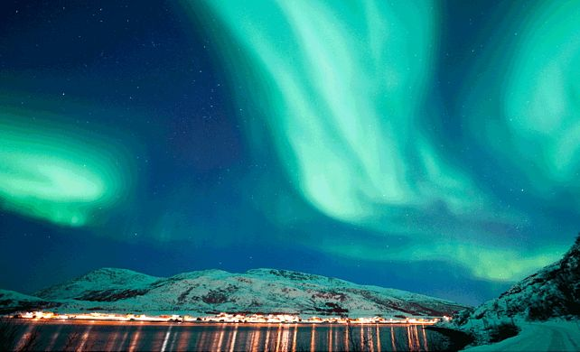 Image Result For Screensavers Windows 10 Northern Lights Natural Landmarks Scandinavia