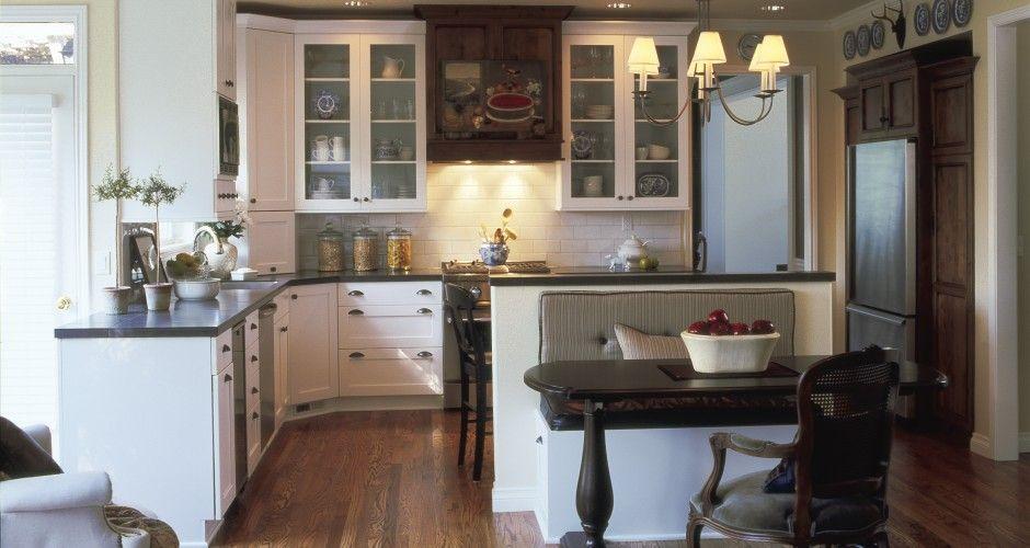 Pacific Northwest kitchen--Cozy! | Bungalow kitchen, Home ...