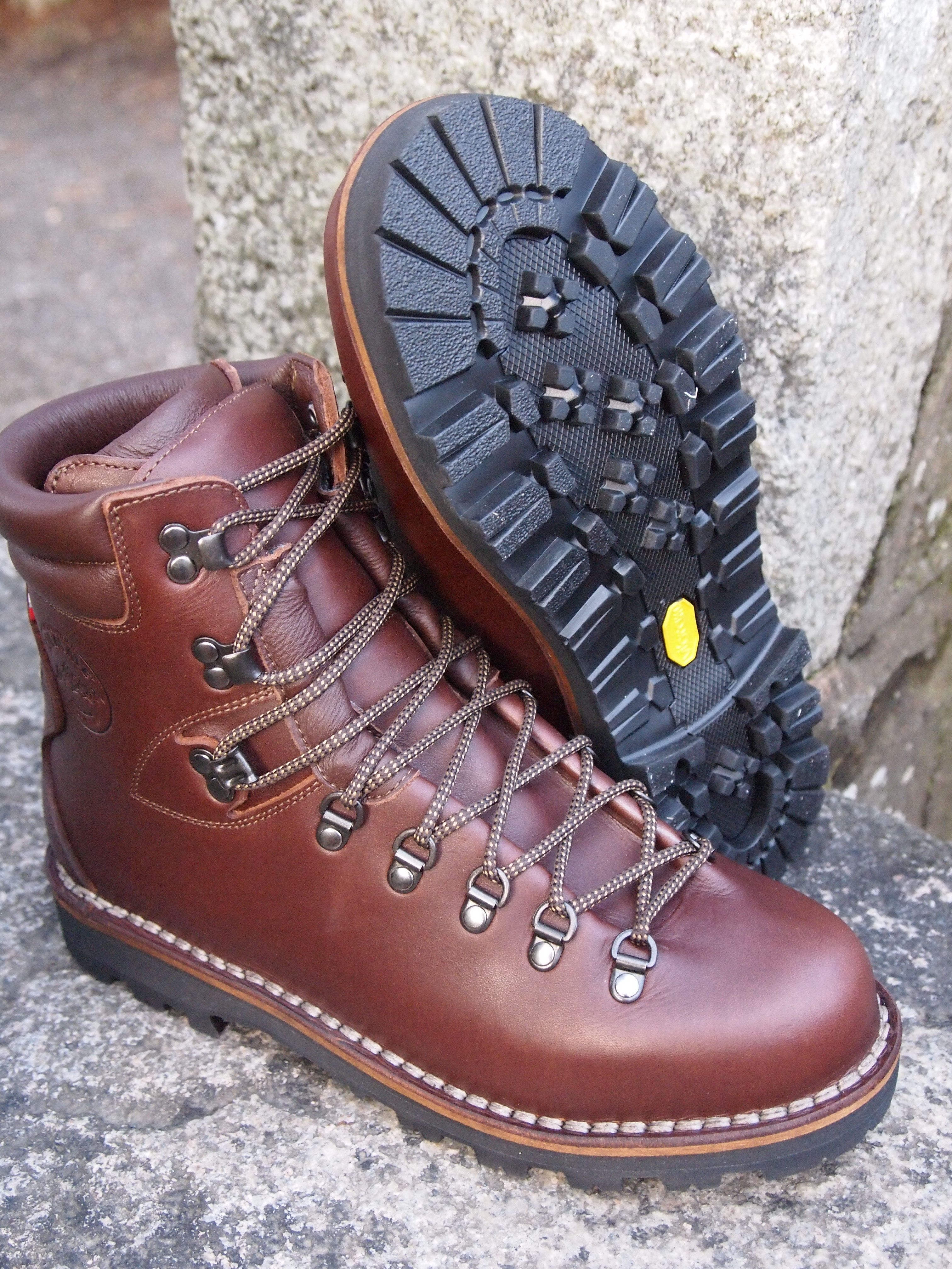 Classic Mountain boots - The Fagiano with Sympatex Lining