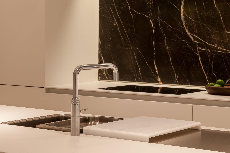 Bulthaup b3 keuken marmer wit laminaat batibouw - Bulthaup beton ...