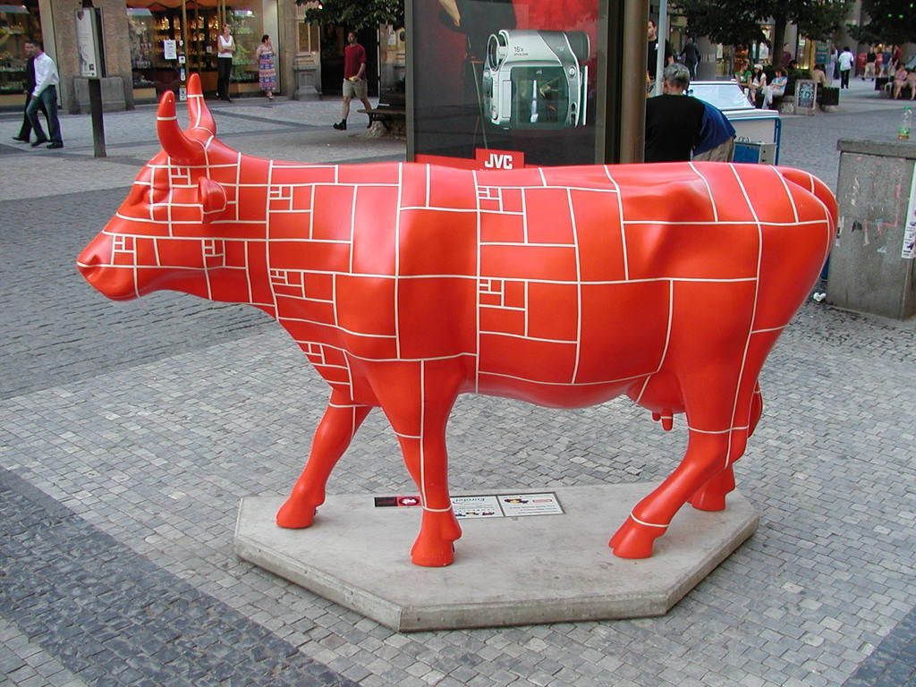 The Cow Parade In Prague Bovine Beauties Fill The City En 2020 Vacas