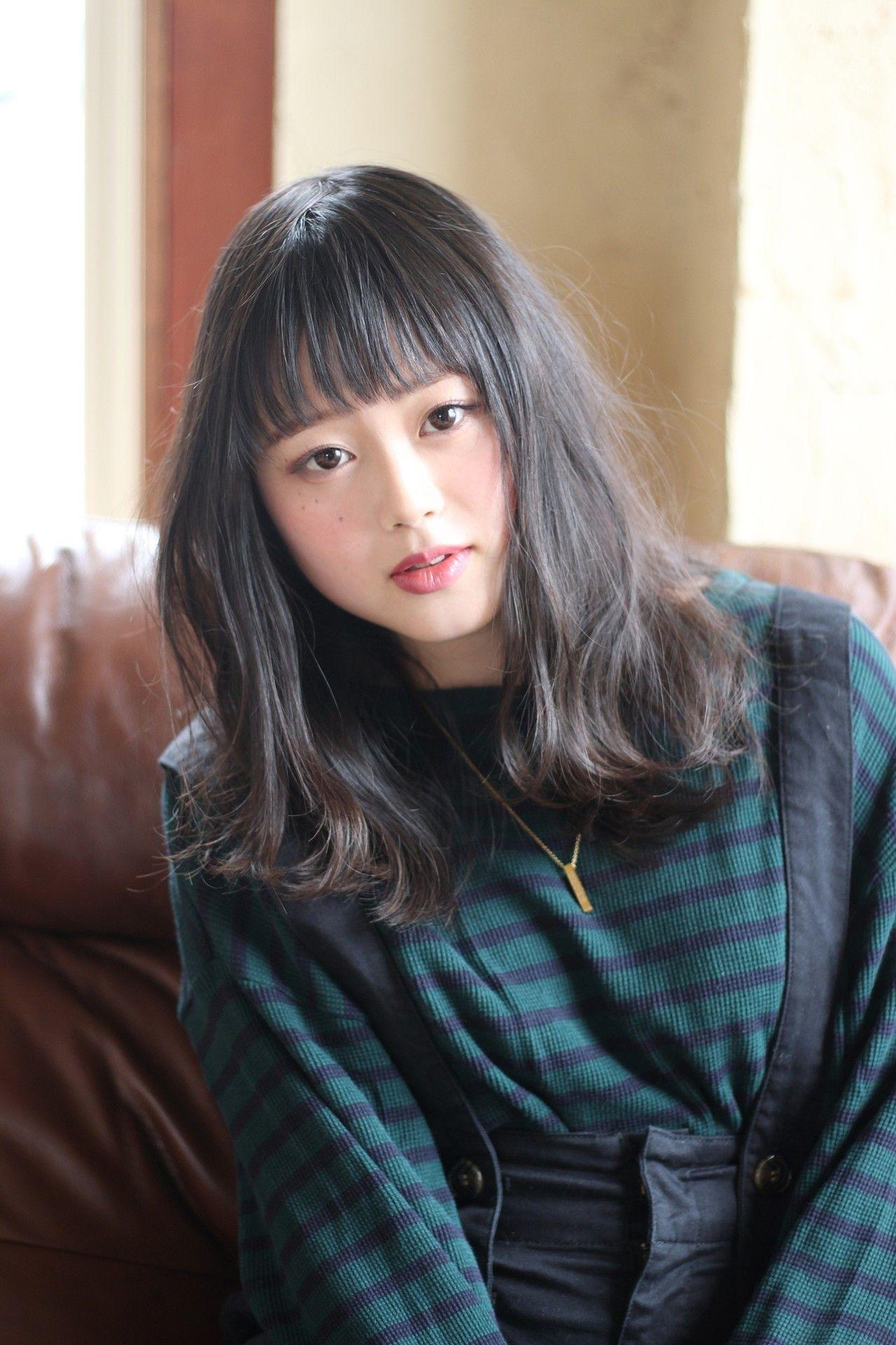 ミディアム 黒髪