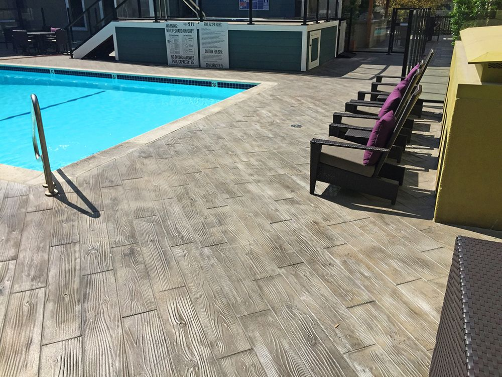 Faux Wood Look For Pool Deck Wood Stamped Concrete Concrete Patio Designs Concrete Pool
