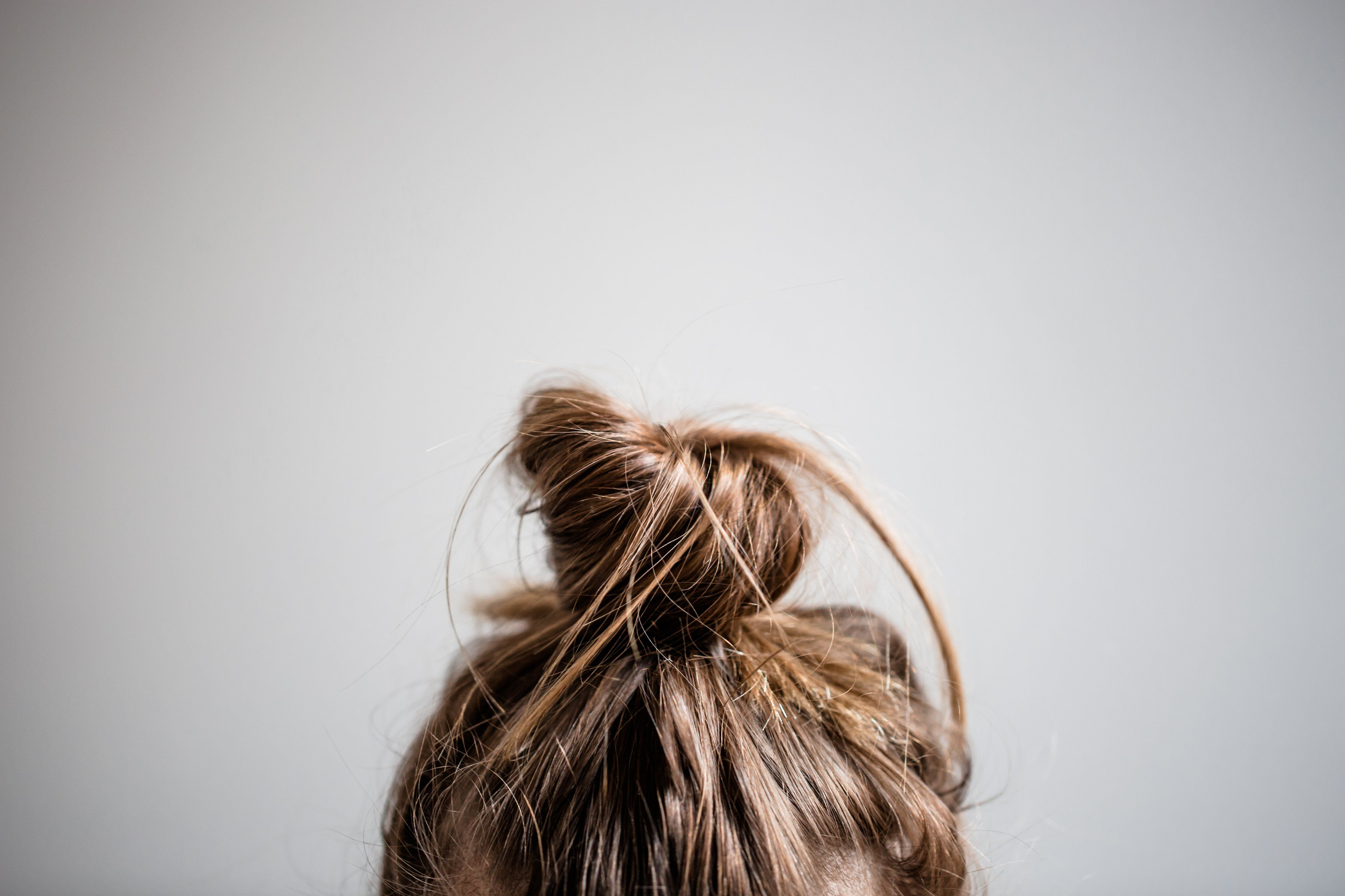 30+ Simple & Easy Hairstyles for Moms Using Wet Hair (Step by Step Videos |  Hair salon equipment, Essential oils for hair, Herbs for hair