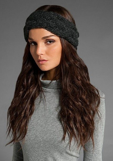 how to wear a knit headband with a braid in