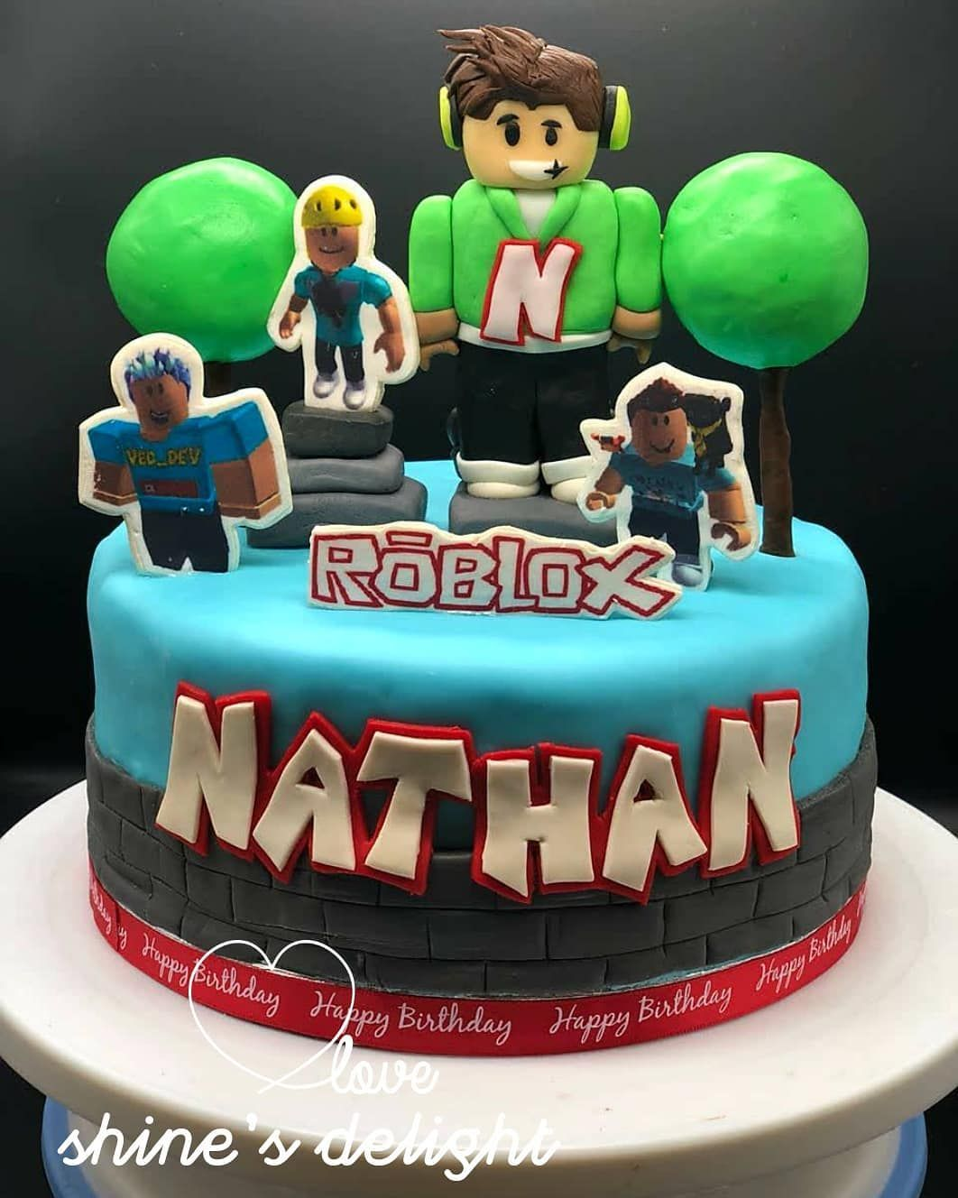 Pin By Lea Chapman On Roblox In 2020 Roblox Birthday Cake Boy